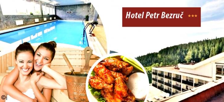 Wellness pobyt pro dvav hotelu Petr Bezruč*** v Beskydech. Pobyt na 3 dny pro 2 osoby a dítě do 4 let s bohatou polopenzí, vstupem do bazénu se slanou vodou a wellness procedurami. Krásná příroda a okolí vás uchvátí.
